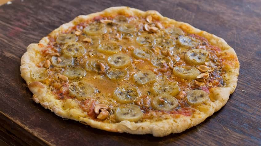 bananas and curry pizza