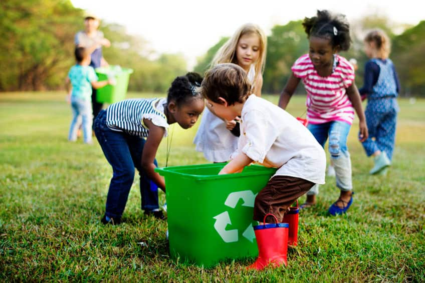 kids recycling to help the planet and the environment
