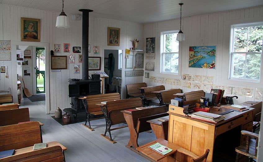 the inside of a one room schoolhouse