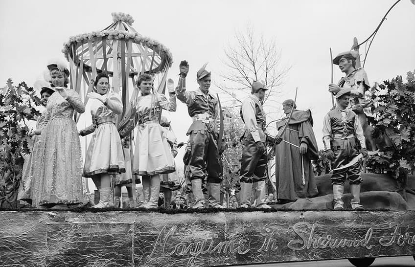 Sherwood Forest float in Toronto Santa Claus parade