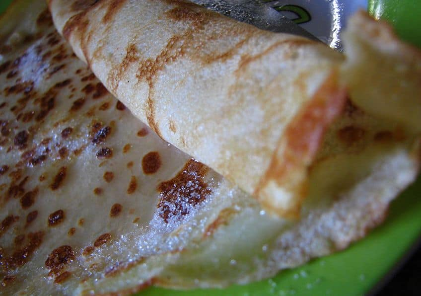crepes filled with sugar