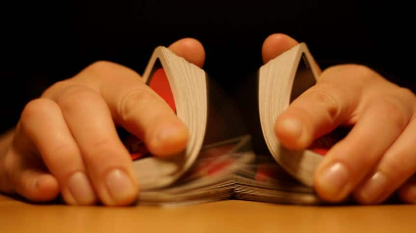 Here is the riffle method to shuffle cards.