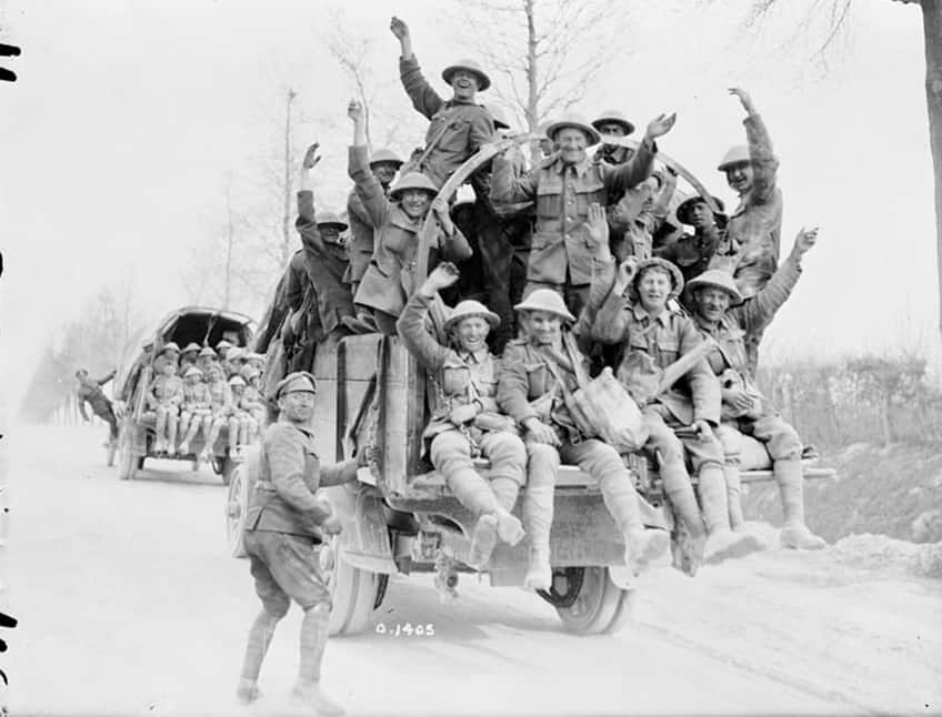 historical photo of soldiers returning from the battle