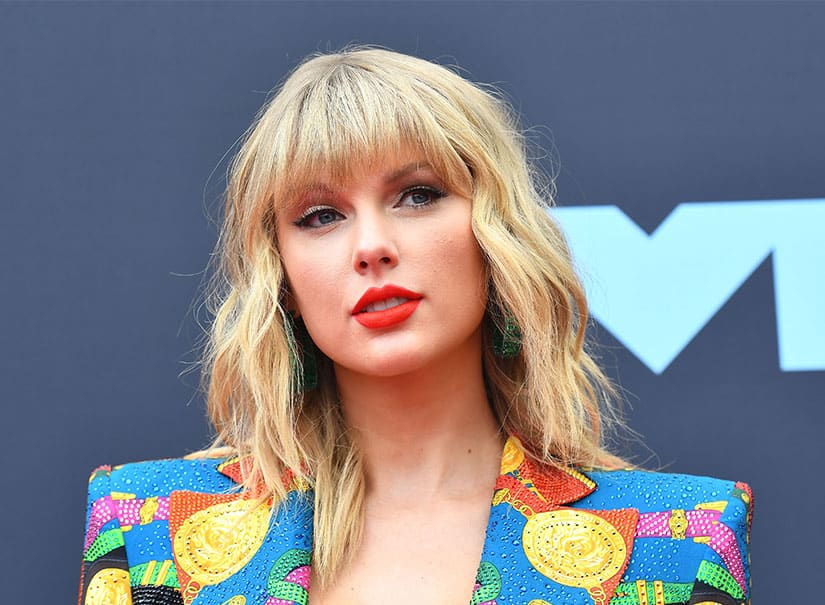 Why Taylor Swift is fighting to perform her own songs - CBC.ca