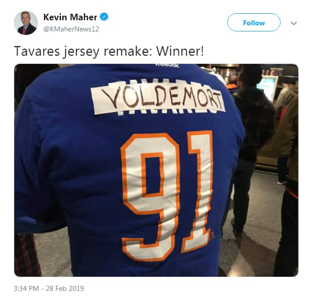 brand new 4015e 8ec37 Fans throw fake snakes, call new Leafs player John Tavares a ...