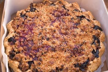 Apple Berry Breakfast Crisp