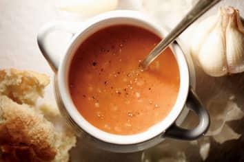 Soupe crémeuse au riz et aux tomates