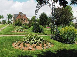 Georgetown- AA MacDonald Memorial Gardens.JPG
