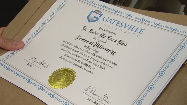 Fake Degrees - Exposing Canadians with phoney credentials