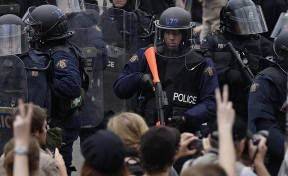 riot-police-surround.jpg