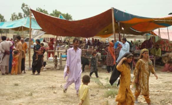tents-pakistan.jpg & Pakistan: Scenes from the relief camps - Citizen Bytes