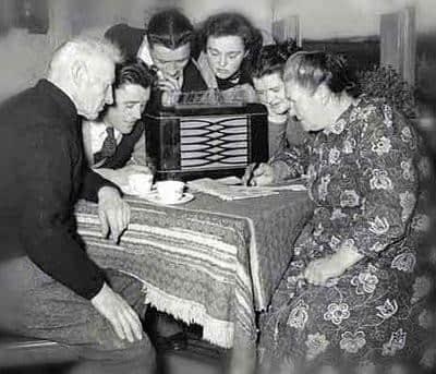 archival radio.jpg