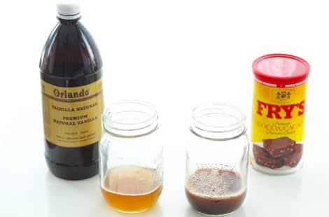 DIY vanilla shampoo and DIY chocolate shampoo in mason jars