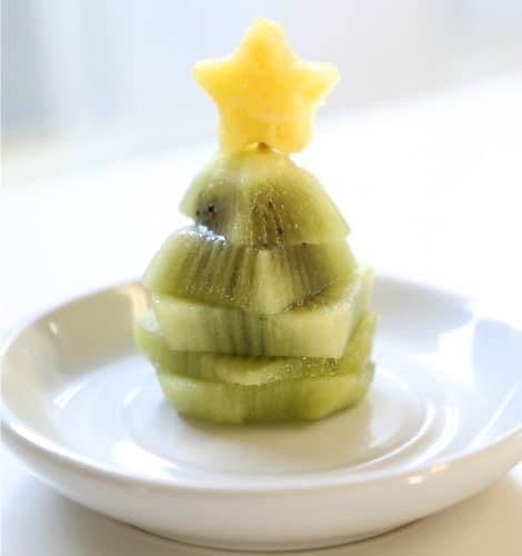 The kiwi and pineapple assembled together