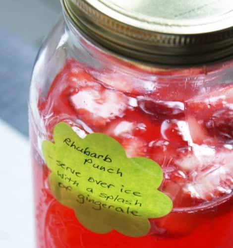A batch of punch packaged in a mason jar