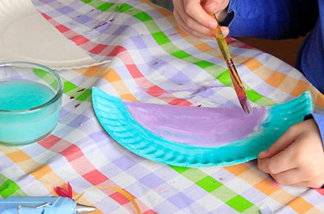 Paper plates are being painted. & Make Your Own Paper Plate Purse | Play | CBC Parents