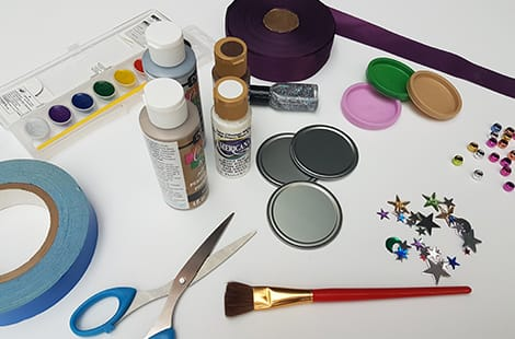 Supplies needed to make the Olympic medal craft.
