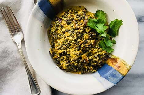 Quick lentil dahl ready to be served.