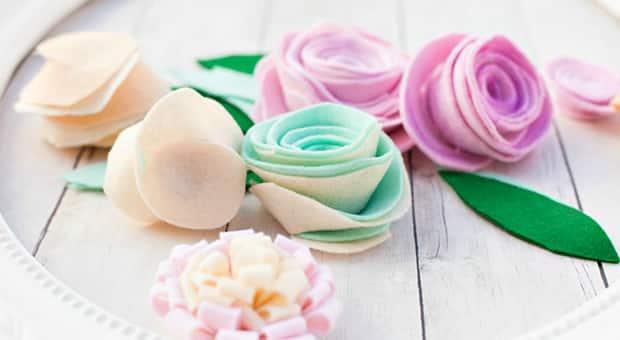Pastel-coloured felt flowers.