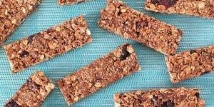 GWEN-LERON-LEAD-no-bake-chocolate-granola-bars-recipe