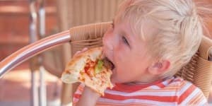 kids-eating-too-much-too-fast