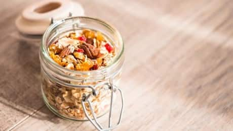 DietitianCampingSnacks_SarahRemmer_lead