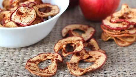 LEAD-crispy-cinnamon-apple-chips