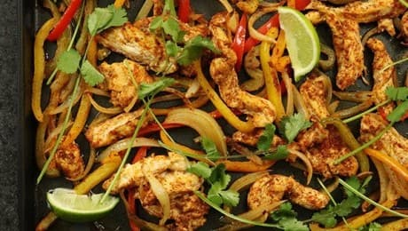 One-Pan-Chicken-Fajitas-LEAD