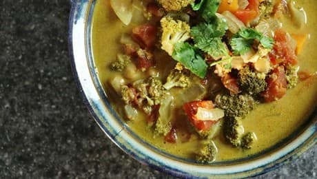 Slow-Cooker-Vegan-Curry-Stew-LEAD