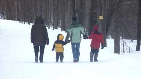 family_hiking_ext