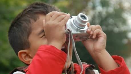 paris_child_camera_ext