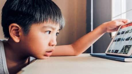 photo-tablet-etiquette-kids