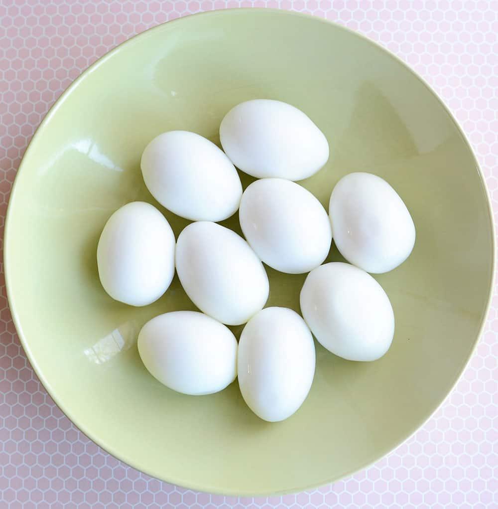 A bowl of hardboiled eggs.