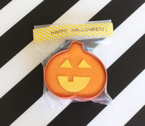 A finished Halloween party favour.