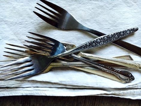 A pile of mis-matched forks.