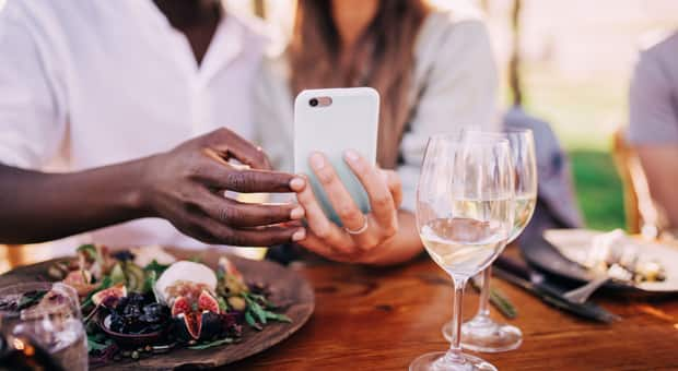 A couple spends a nice meal together without their kids