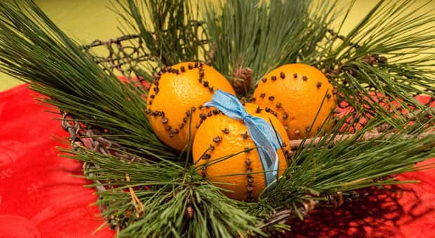 pomanders an old time christmas decoration play cbc parents - Old Time Christmas Decorations