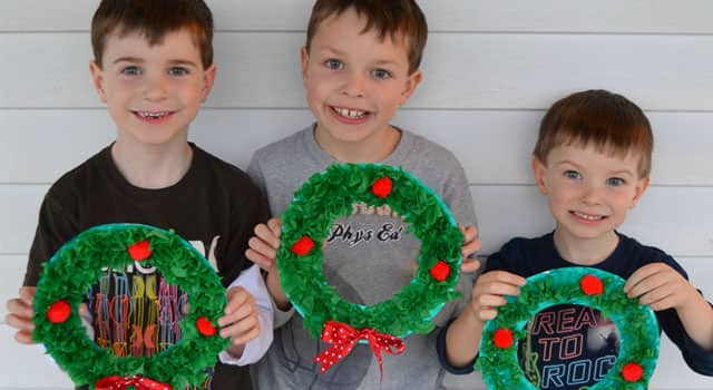 easy craft for kids paper plate christmas wreath play cbc parents - Kids Christmas