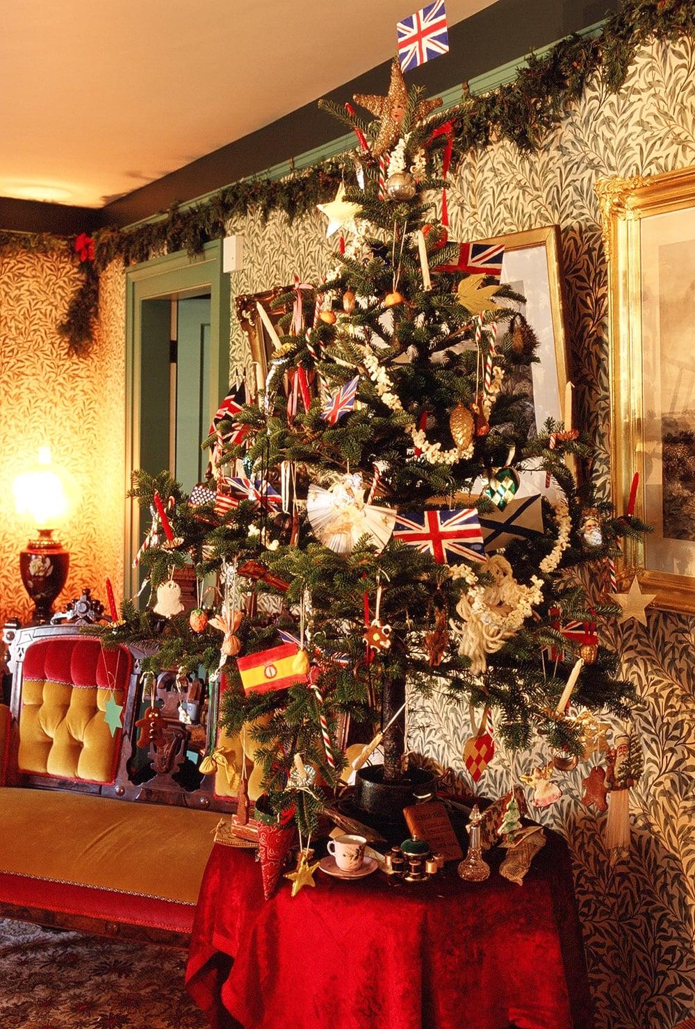 A Victorian Christmas tree.