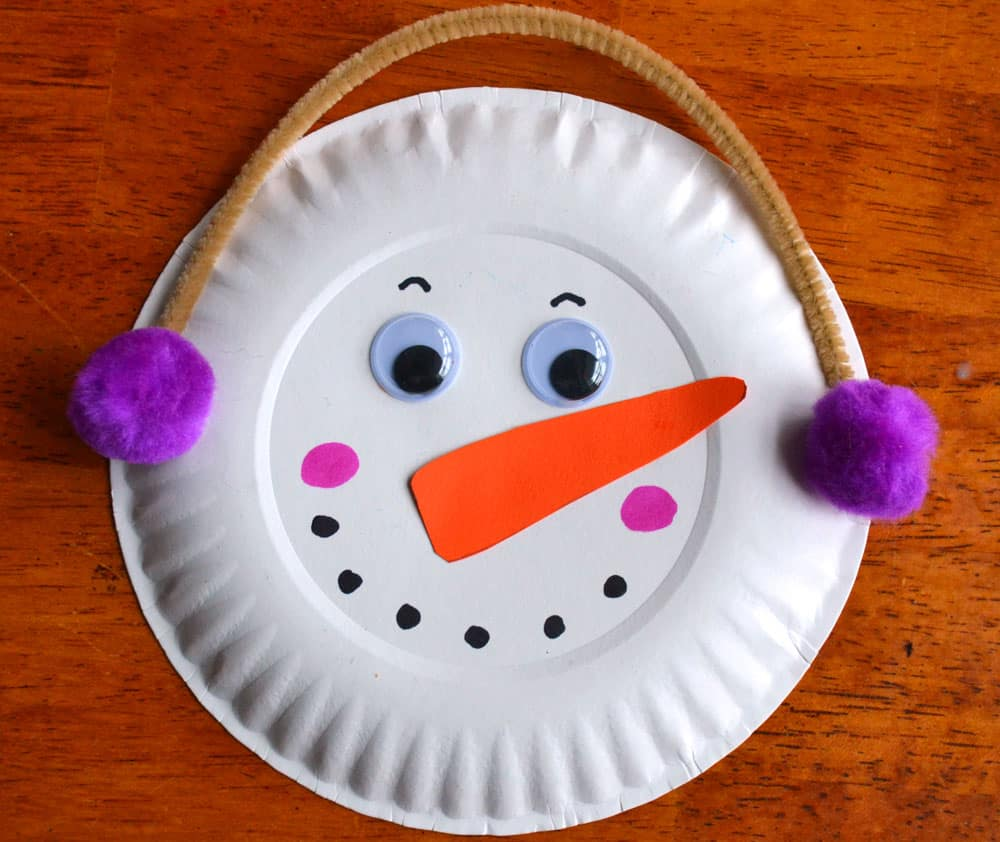 Paper plate snowman garland winter craft play cbc parents for How to make winter crafts