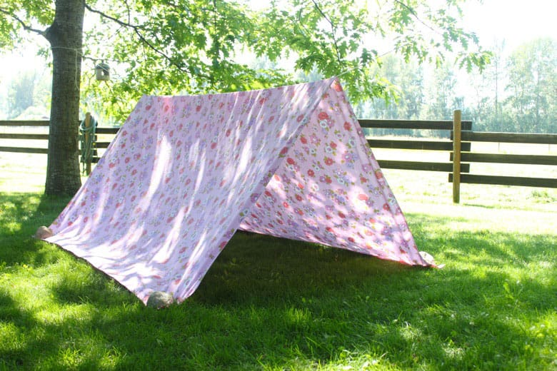 Or if you donu0027t mind the kids dragging a few things outdoors the tent can be cozied up by covering the ground with a blanket and adding a few pillows and ... & Simple Backyard Bed-Sheet Tent | Play | CBC Parents