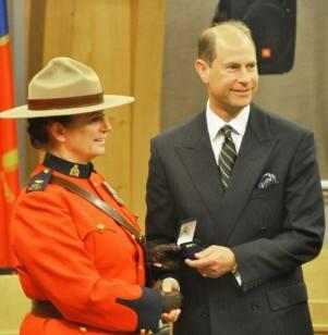 Prince Edward presents RCMP awards