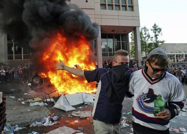 Riots Erupt In Vancouver After Canucks Loss (Idiots)
