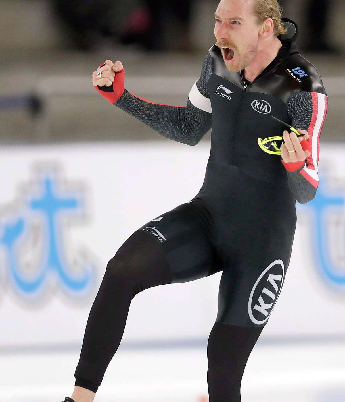 Speed skater Ted-Jan Bloemen putting world on notice the 'Canadian way'
