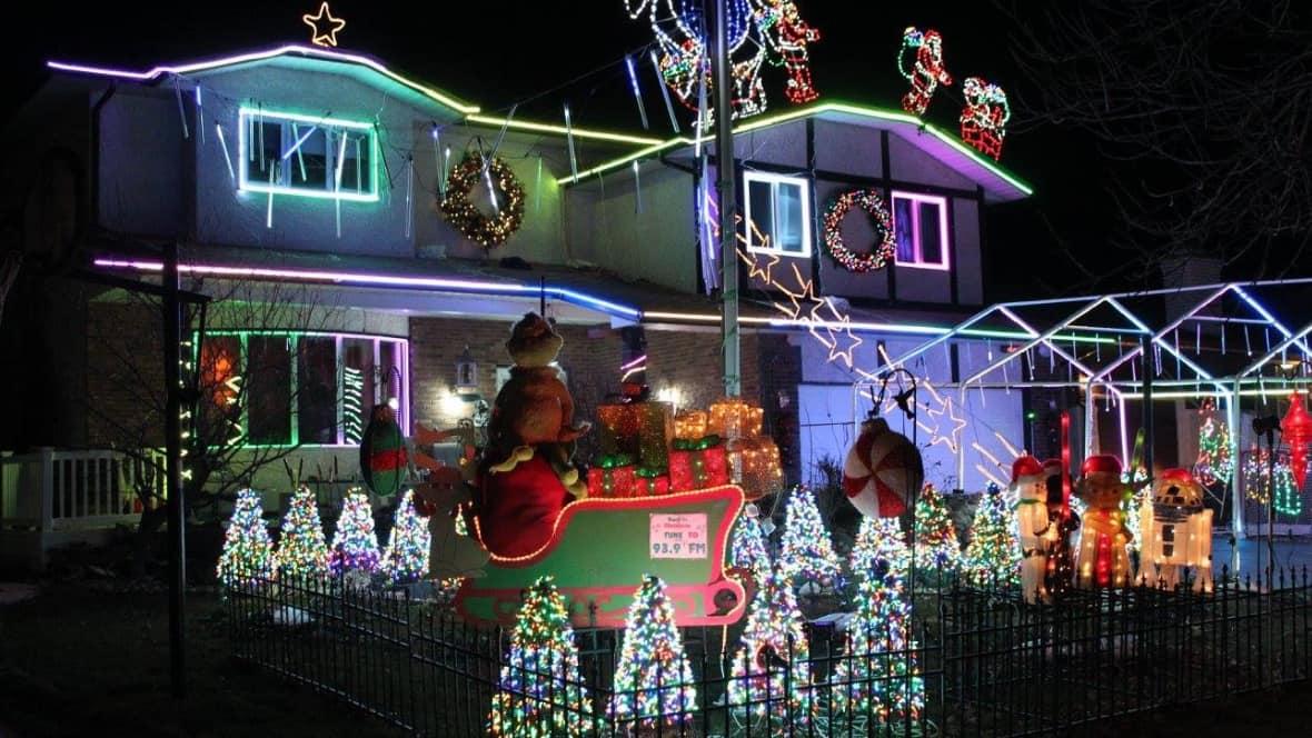 100K Christmas lights decorate North Kildonan home for a cause | CBC News - 100K Christmas Lights Decorate North Kildonan Home For A Cause CBC