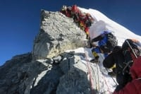 nepal-crowded-everest.jpg