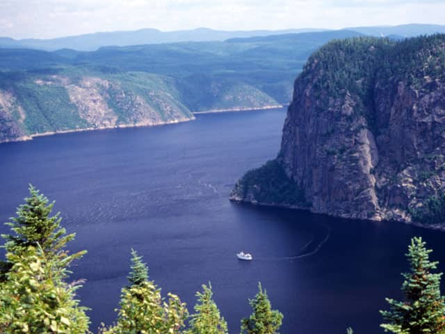 [Image: pic_wonder_saguenay_fjord_lg.jpg]