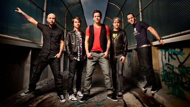 The guys from Simple Plan are set to play an exclusive concert outside Montreal's Bell Centre on Saturday night.