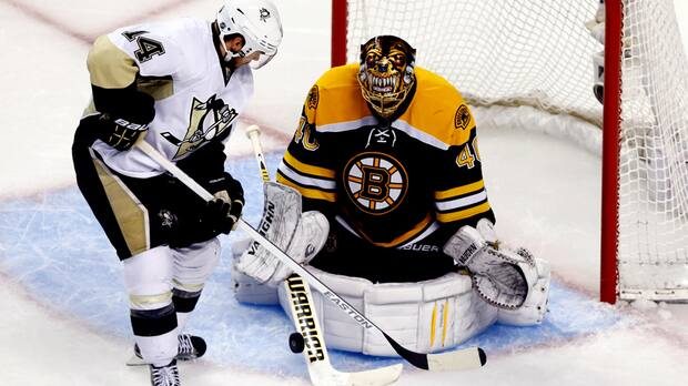Boston Bruins Tuukka Rask, right, was brilliant in victory against the Pittsburgh Penguins in Game 3 Wednesday night. (Jared Wickerham/Getty Images)