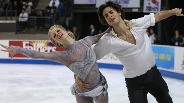 Kaitlyn Weaver and Andrew Poje perform their Skate America free dance at the  ShoWare Center in Kent, Wash., on Oct. 21.  (Otto Greule Jr/Getty Images)